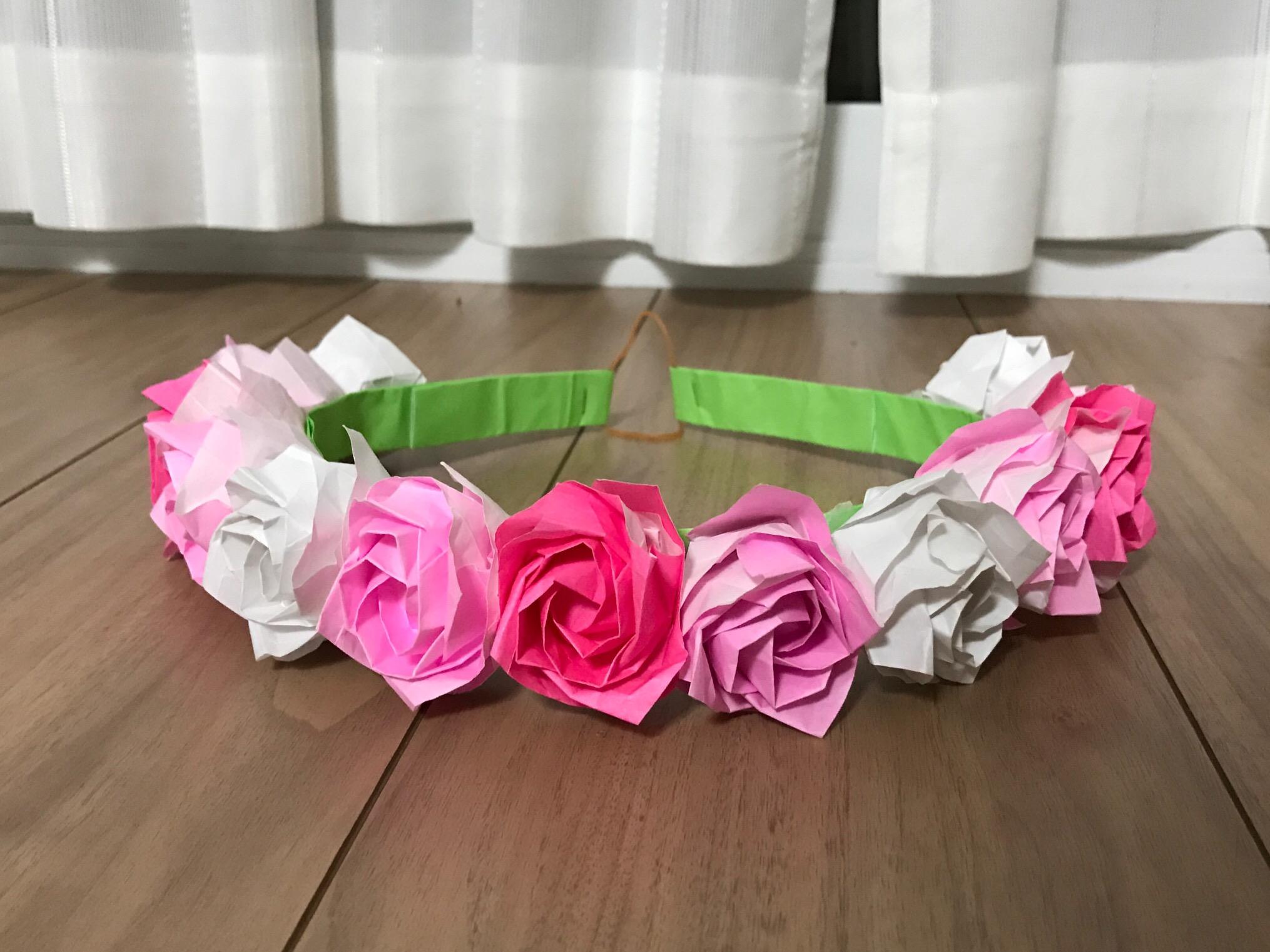 薔薇の花冠と装飾