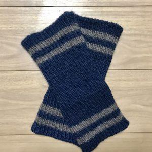 手編みのレッグウォーマー