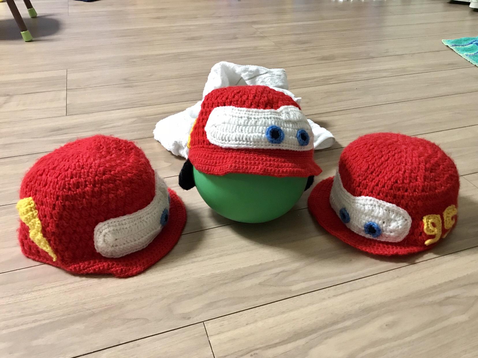手編みのマックイーン帽